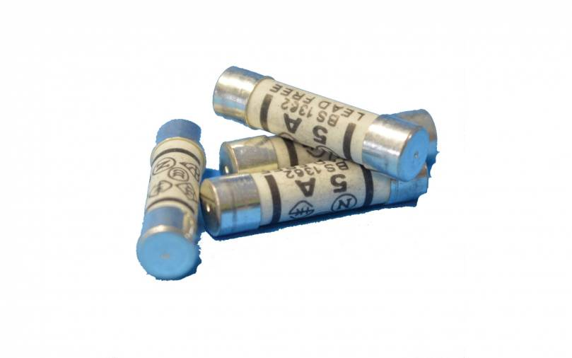 SparkPak A22 Plug Fuses 5A Pack of 4 Image 1