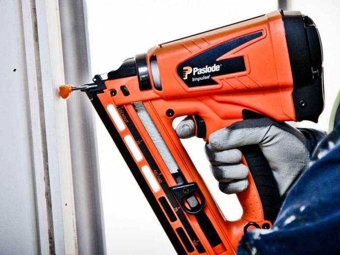 Paslode IM65 F16 Gas Finishing Brad Nailer Image 3